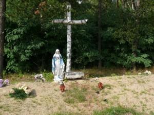 Mogiła z I wojny światowej na cmentarzu w Jedlance przed ufundowaniem pomnika