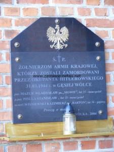 Tablica na kościele w Gęsiej Wólce