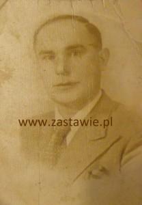 Julian Szast - nauczyciel z Gęsiej Wólki.  27.11.1943 Zdjęcie udostępniła Małgorzata Byczko