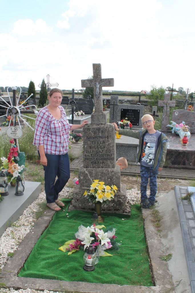 Z synem przy grobie moich pra a jego prapradziadków