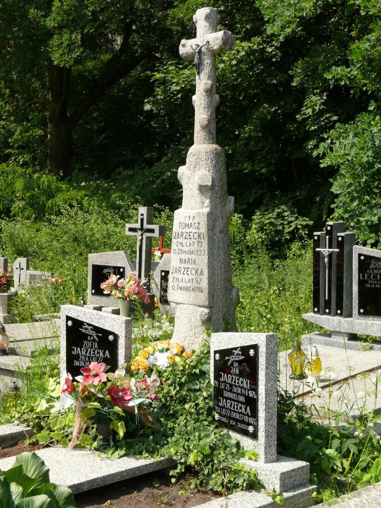 Pozostawienie elementu pomnika przodków - cmentarz w Wilczyskach